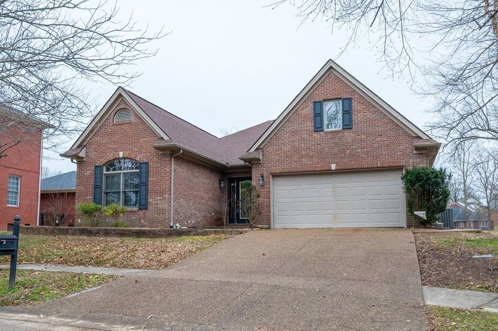 Photo of 1410 Kingsbrooke, Owensboro, KY 42303 (MLS # 80673)