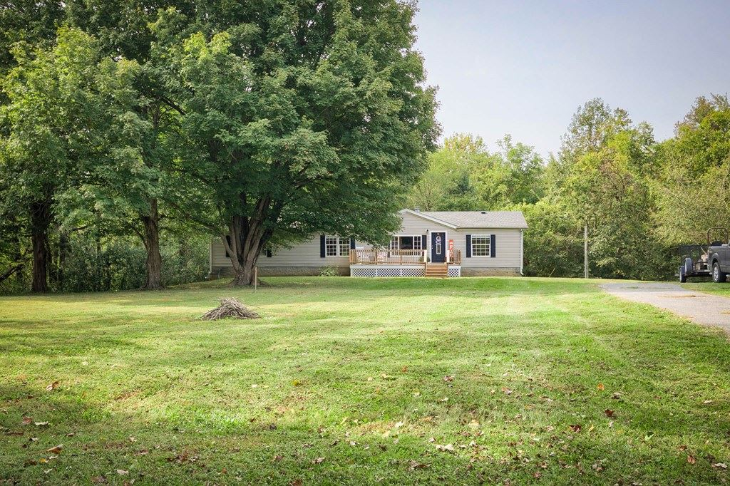 Photo of 909 Sand Hill Road, Livermore, KY 42352 (MLS # 82675)