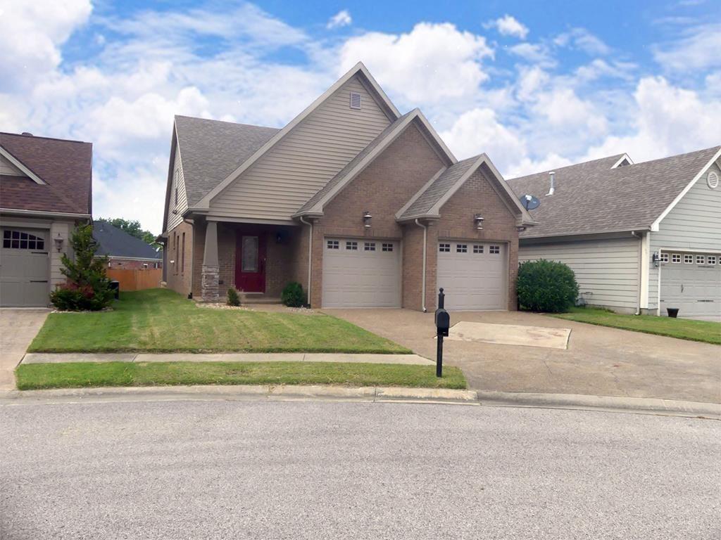 Photo of 3342 Shadewood Terrace, Owensboro, KY 42303 (MLS # 79694)