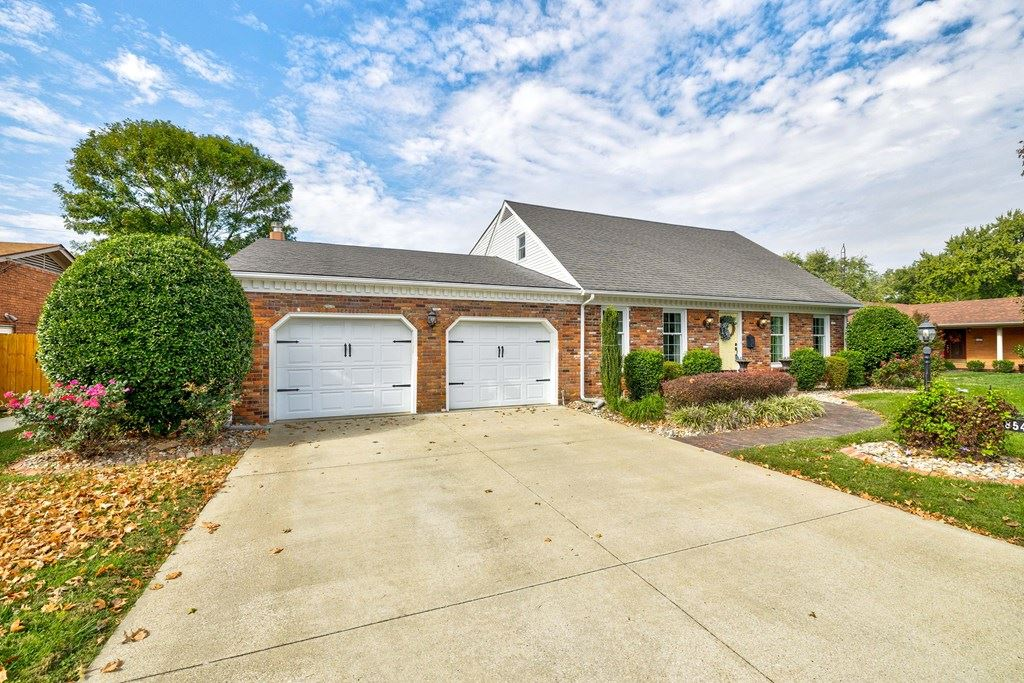 Photo of 3854 Garden Terrace, Owensboro, KY 42301 (MLS # 82700)