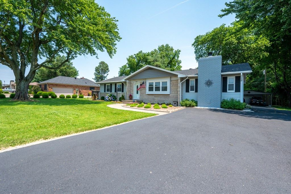 Photo of 1951 Airport Rd, Owensboro, KY 42301 (MLS # 81741)