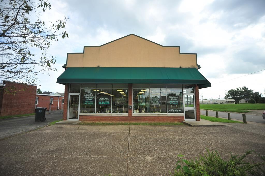 Photo of 1328 W 4th Street, Owensboro, KY 42301 (MLS # 79761)