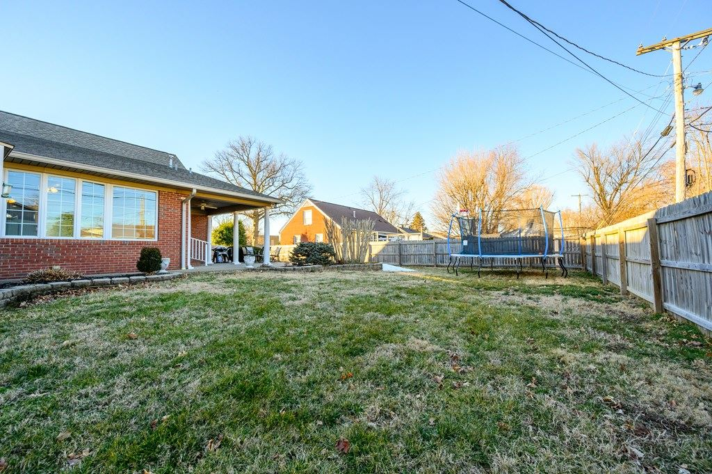 Photo of 2547 Christie Pl, Owensboro, KY 42301 (MLS # 80795)