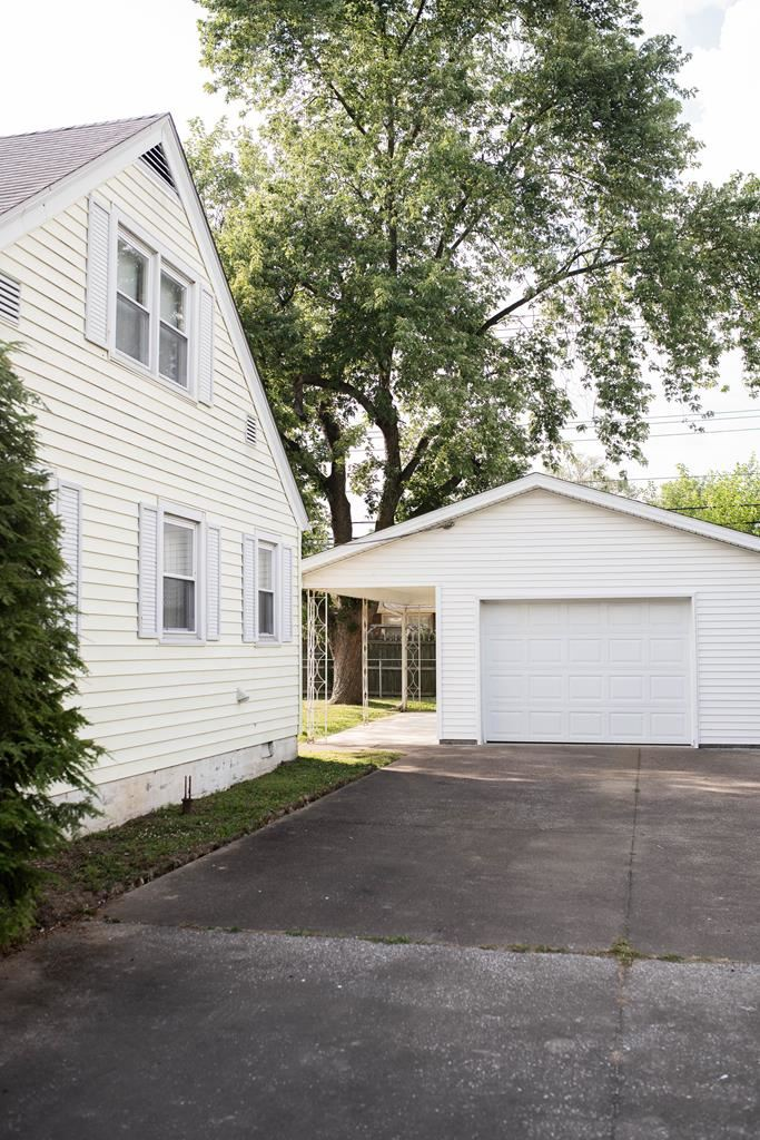 Photo of 1413 Booth Ave, Owensboro, KY 42301 (MLS # 81829)