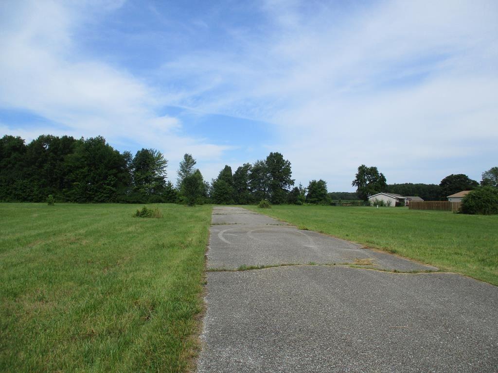 Photo of 0 Tulip Lane, Grandview, IN 47615 (MLS # 81884)