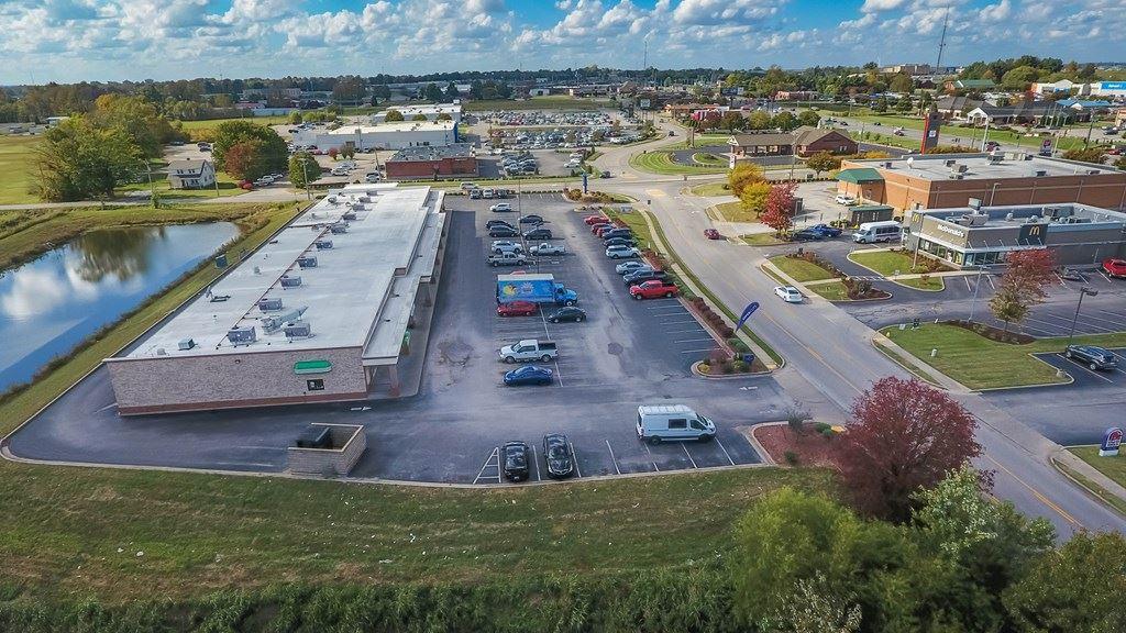 Photo of 3332 Villa Point, Owensboro, KY 42303 (MLS # 77905)