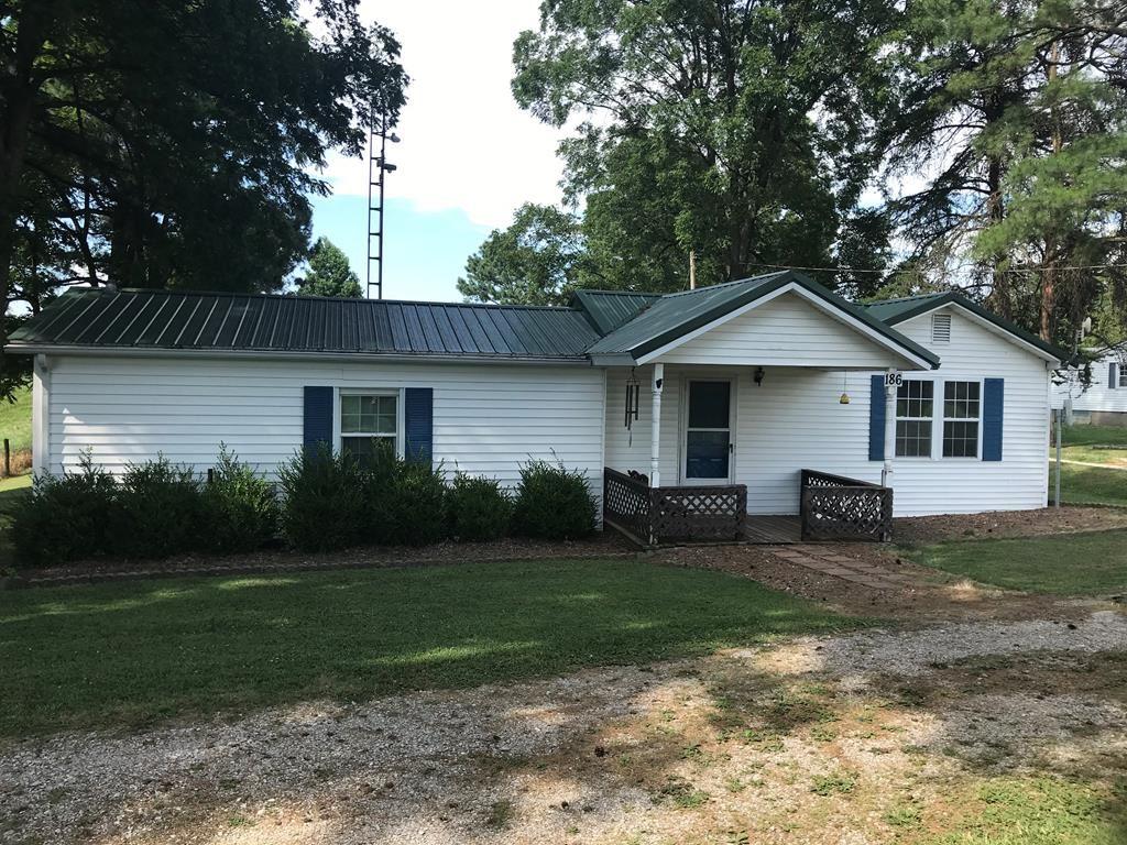Photo of 186 Brooks Schoolhouse Road, Calhoun, KY 42327 (MLS # 81928)