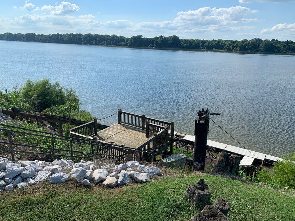 Photo of 347 Pantle Point, Owensboro, KY 42301 (MLS # 80944)