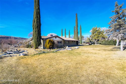 Photo of 3180 S Iron Springs Road, Skull Valley, AZ 86338 (MLS # 1035355)
