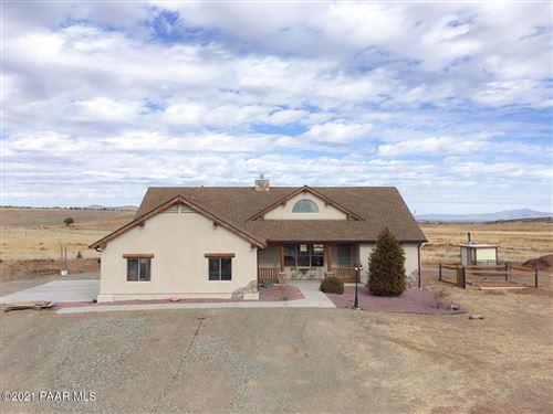 Photo of 3600 Meadow Lake Drive, Chino Valley, AZ 86323 (MLS # 1035428)
