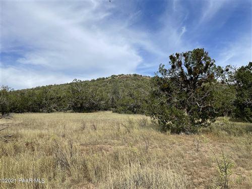 Photo of 565 Sierra Verde Ranch #Lot: 565, Seligman, AZ 86337 (MLS # 1040508)
