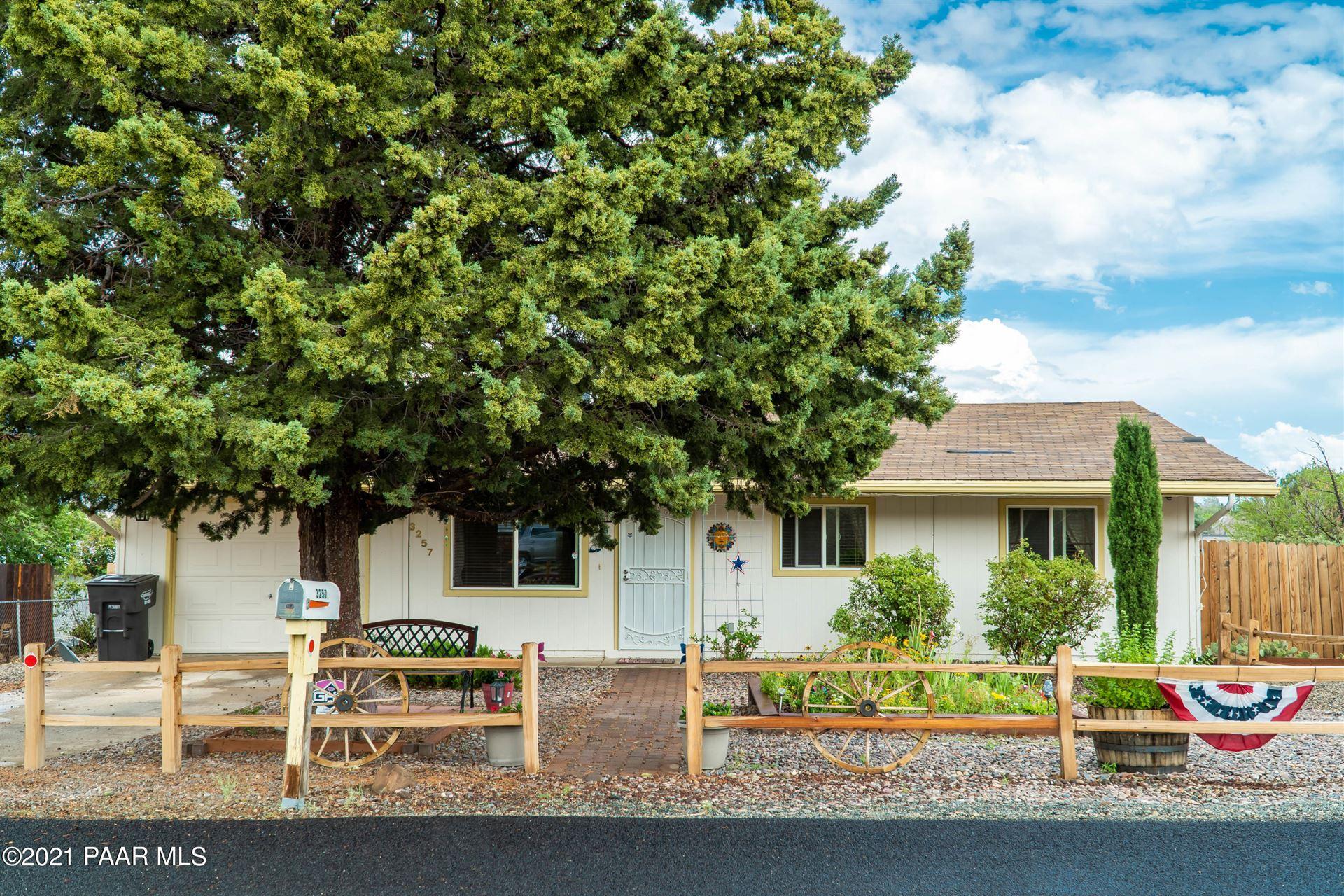 Photo of 3257 N Castle Drive #Lot: 450, Prescott Valley, AZ 86314 (MLS # 1040514)