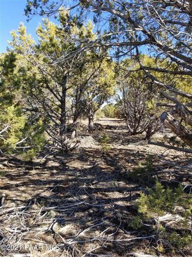 Photo of 13380 W Quail Trail #Lot: 376, Ash Fork, AZ 86406 (MLS # 1035647)