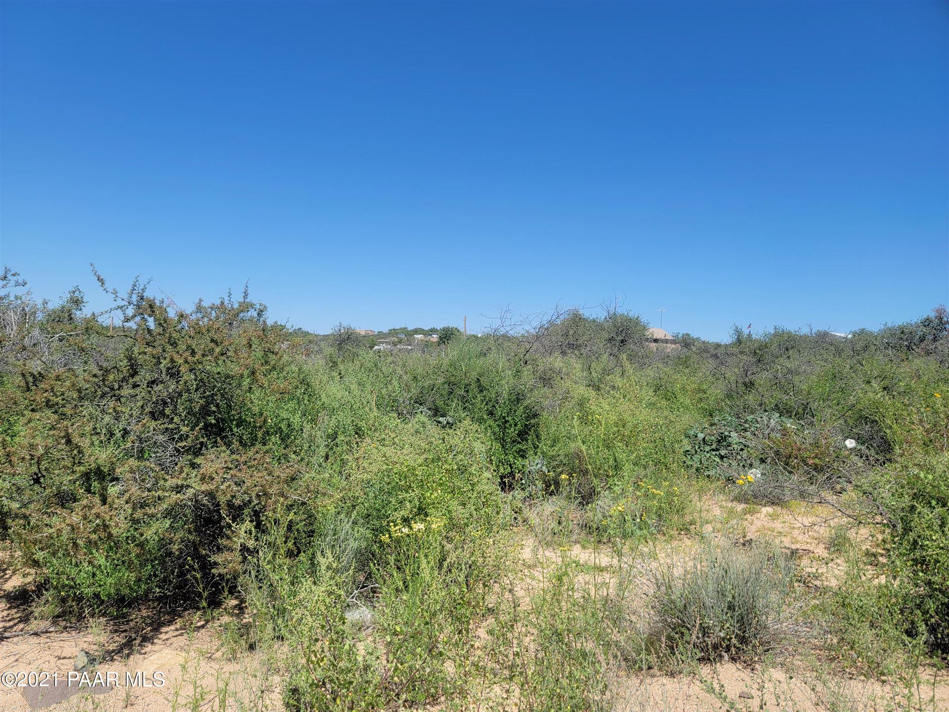 Photo of 9315 S Donald Trail #Lot: 62, Kirkland, AZ 86332 (MLS # 1037662)