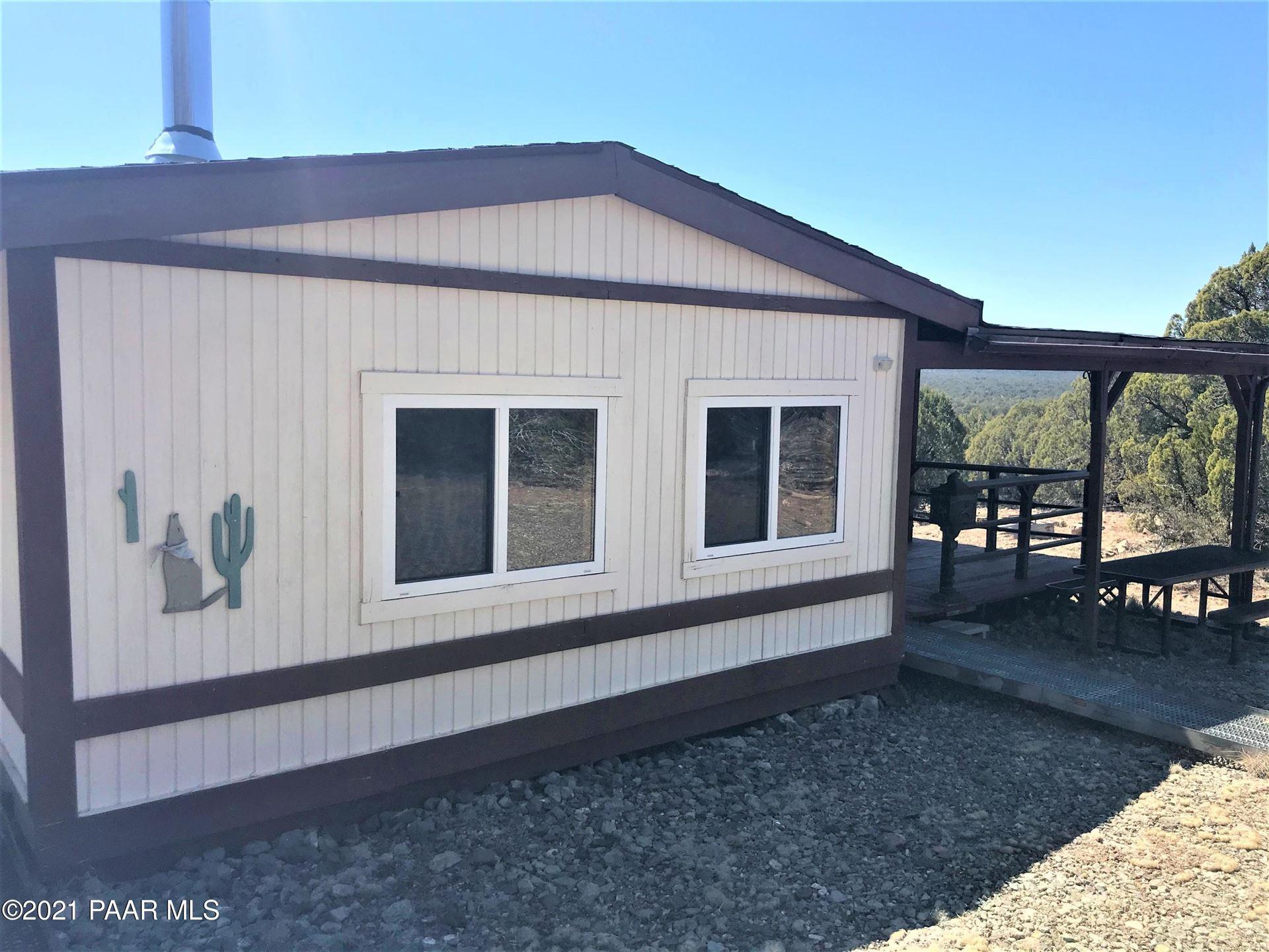 Photo of 299 N Chippendale Trail #Lot: 299, Seligman, AZ 86337 (MLS # 1037667)