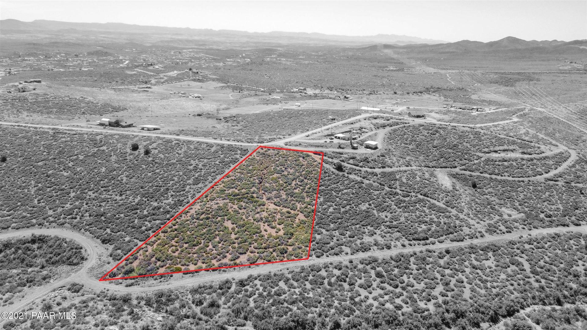 Photo of 0 Rabbit Ridge - 402-15-014m #Lot: 014M, Dewey-Humboldt, AZ 86327 (MLS # 1037674)
