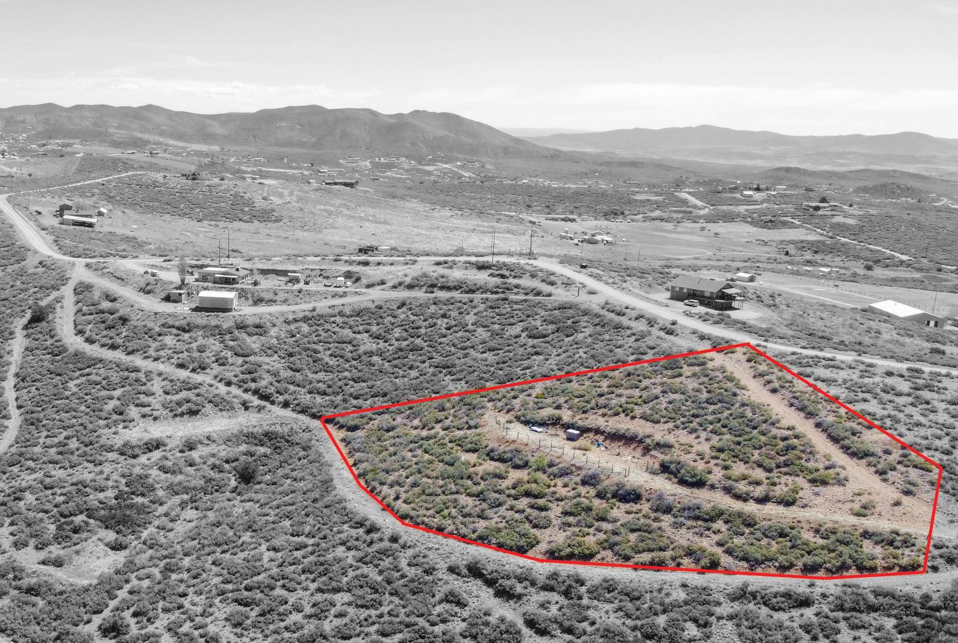 Photo of 0 Rabbit Ridge Rd - 402-15-014p #Lot: 014P, Dewey-Humboldt, AZ 86327 (MLS # 1037675)