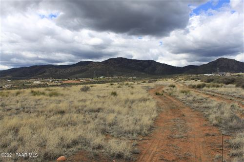 Photo of 9 Tbd 18 E Wolf (18.01) Road #Lot: N/A, Dewey-Humboldt, AZ 86327 (MLS # 1042750)