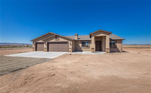 Photo of 12020 N Poquito Valley Road, Prescott Valley, AZ 86315 (MLS # 1027829)