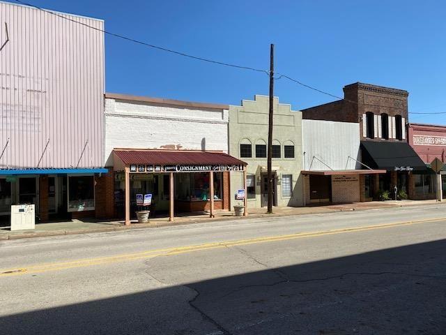 Photo of 512 East Houston, CROCKETT, TX 75835 (MLS # 91584)