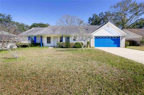 Photo of 2504 SOUTHERN OAKS DR, CANTONMENT, FL 32533 (MLS # 567373)