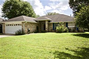 Photo of 11734 OLD COURSE RD, CANTONMENT, FL 32533 (MLS # 557547)