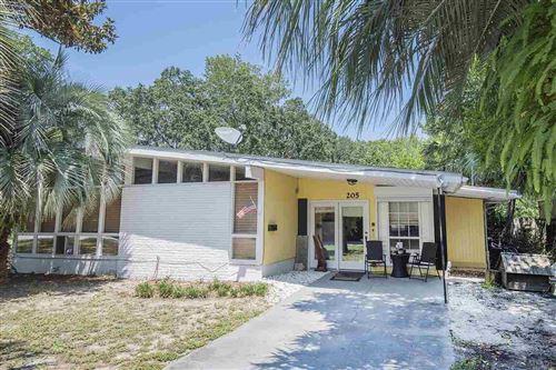 Photo of 205 CAMELIA ST, GULF BREEZE, FL 32561 (MLS # 576599)