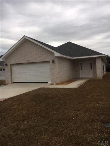 Photo of 3901 THRONE CT, MILTON, FL 32583 (MLS # 563602)
