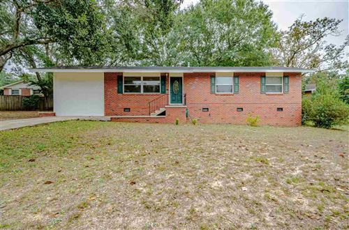 Photo of 5704 EAST SHORE DR, PENSACOLA, FL 32505 (MLS # 563825)