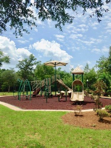 Tiny photo for 125 LEONINE HOLLOW, CRESTVIEW, FL 32536 (MLS # 546995)