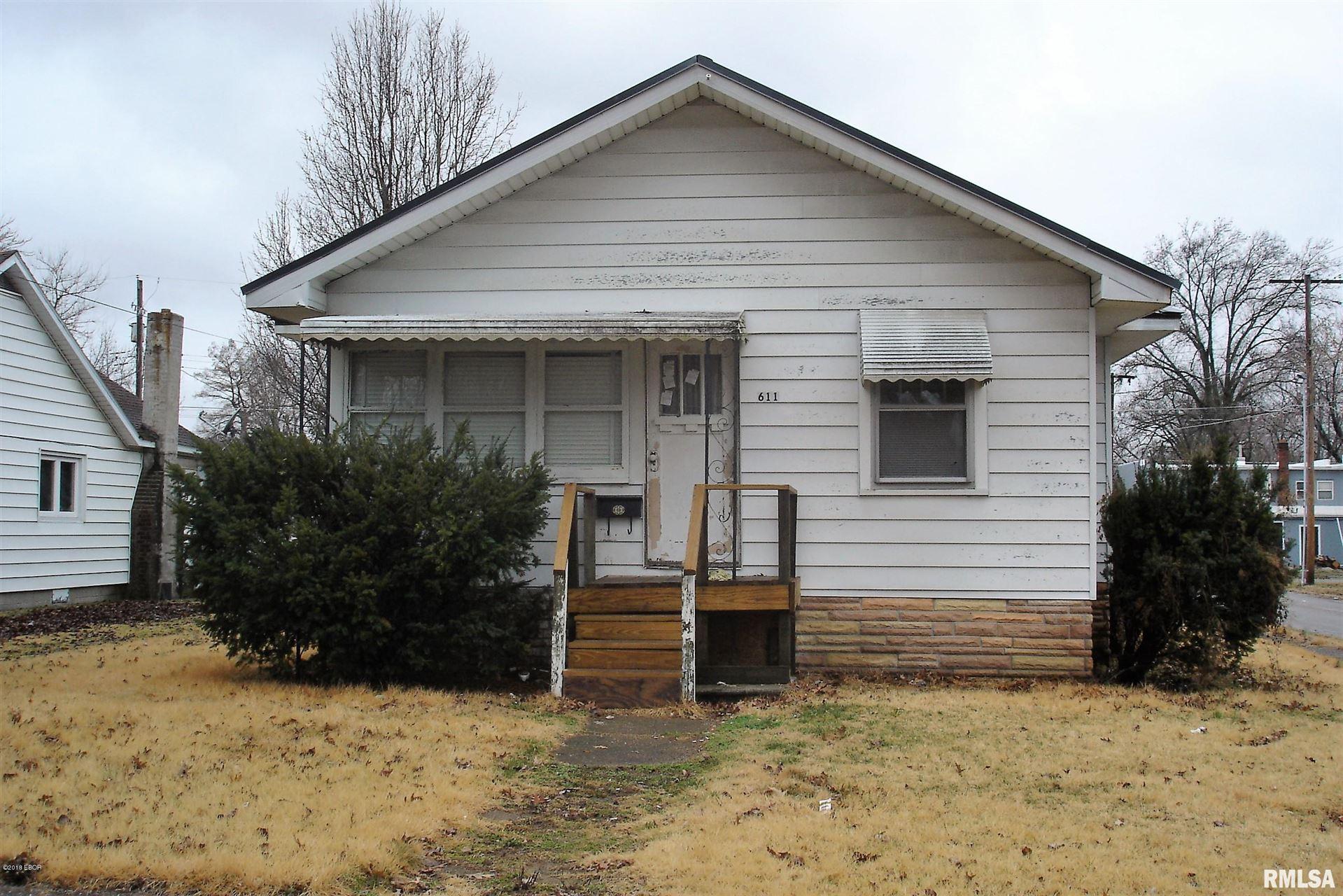 611 Hickman, Benton, IL 62812 - MLS#: EB419149