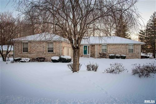 Photo of 1803 Spring Garden Road, Marion, IL 62959 (MLS # QC4219217)