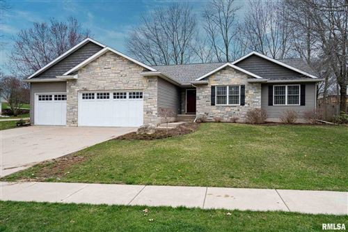 Photo of 404 STAGECOACH Trail, Le Claire, IA 52753 (MLS # QC4210563)
