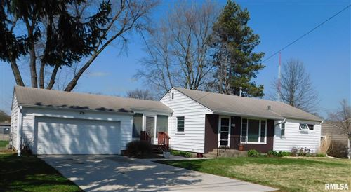 Photo of 311 32ND AVE NONE, Moline, IL 61265 (MLS # QC4210574)
