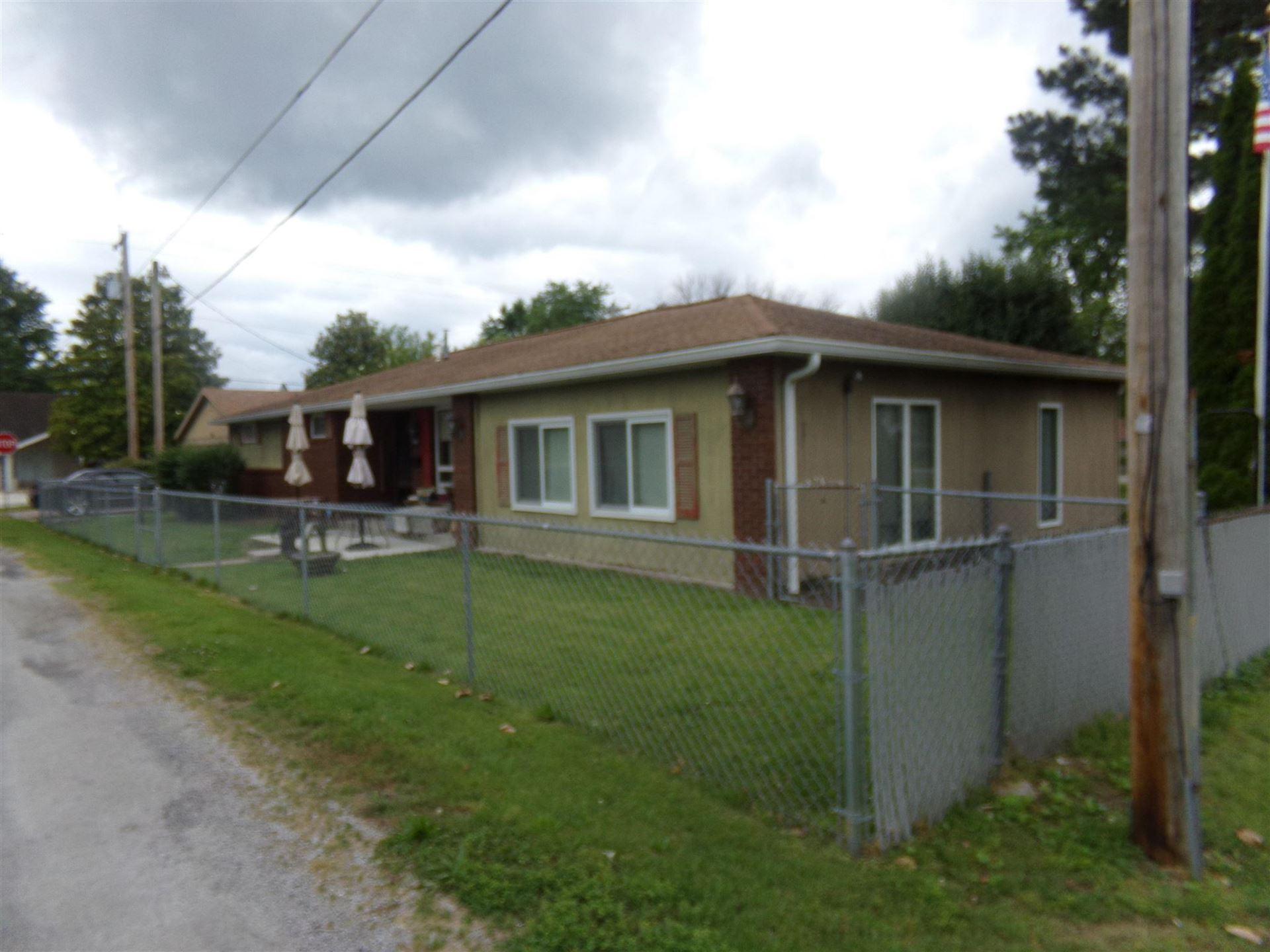 301 N HAYES, West Frankfort, IL 62896 - MLS#: QC4222626