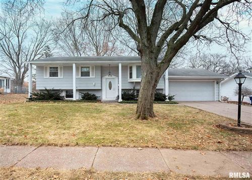 Photo of 3411 FOREST Road, Davenport, IA 52803 (MLS # QC4208852)