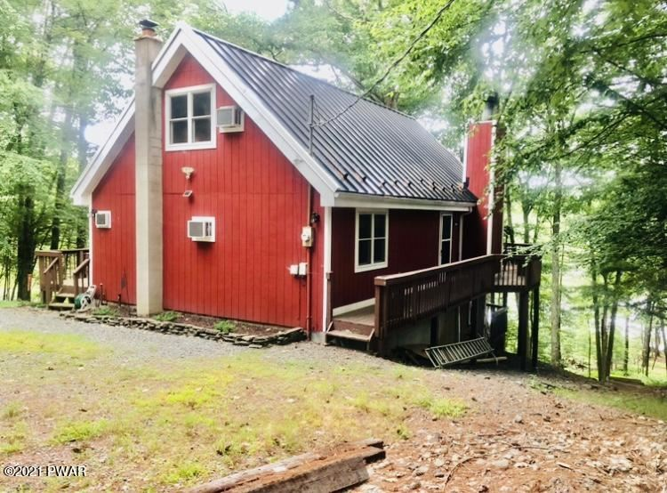 Photo of 159 Waterview Dr, Hawley, PA 18428 (MLS # 21-3030)