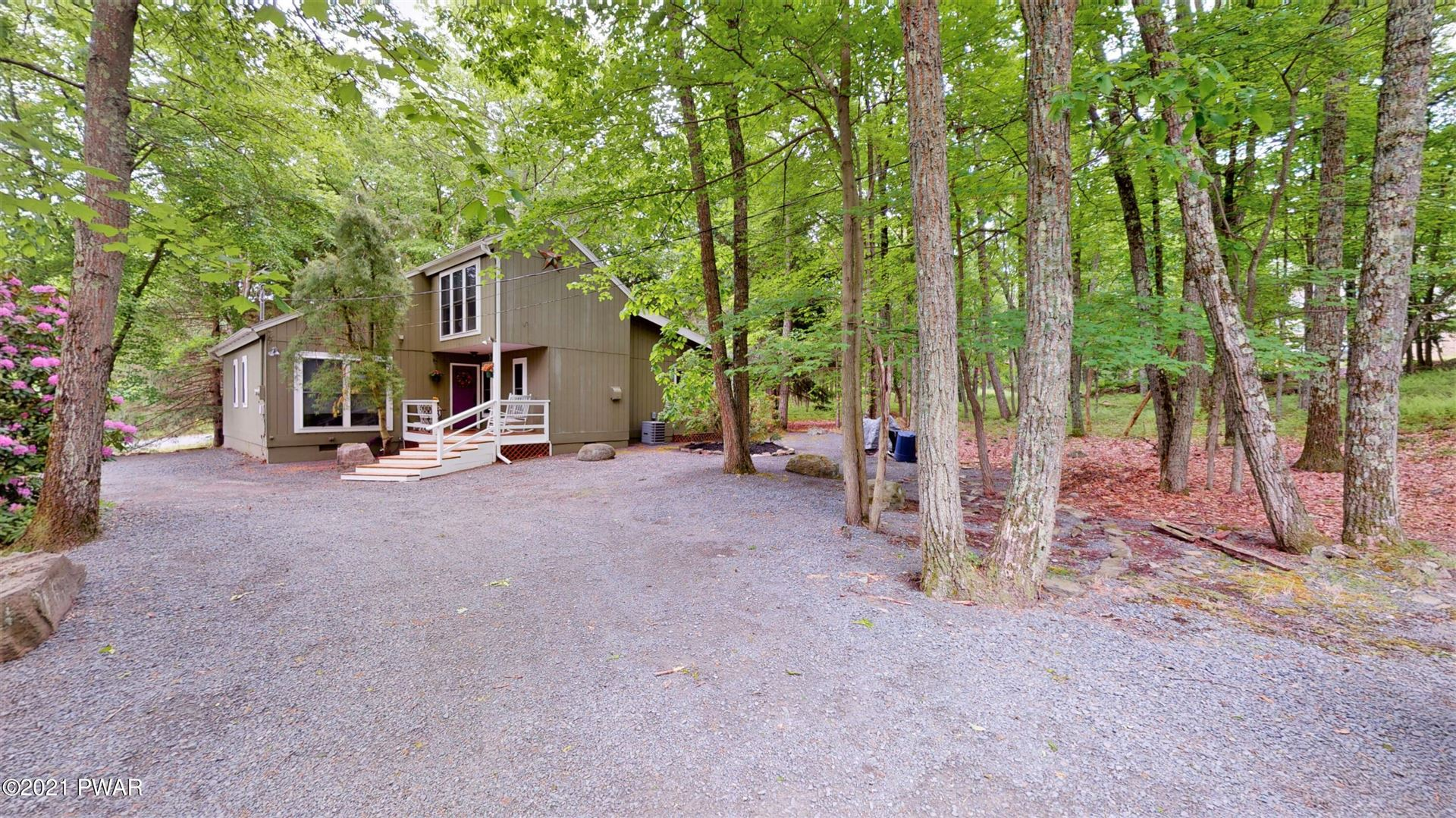 Photo of 401 Surrey Drive, Lords Valley, PA 18428 (MLS # 21-2032)