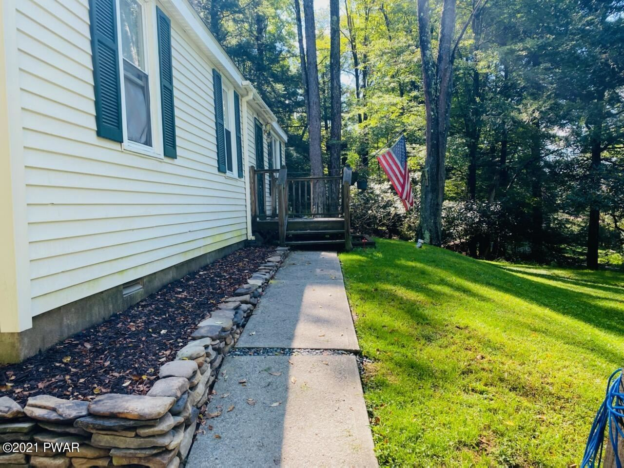 Photo of 226 Cold Spring Ln, Greentown, PA 18426 (MLS # 21-2102)