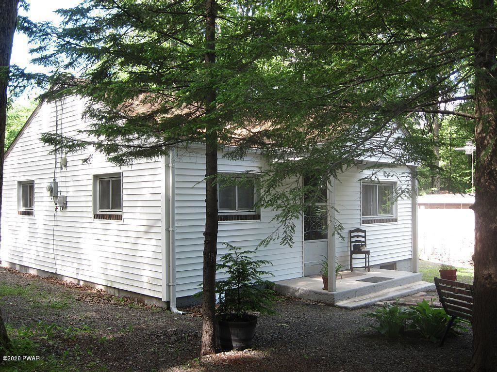 Photo of 132 Tauschman Rd, Greentown, PA 18426 (MLS # 20-1120)