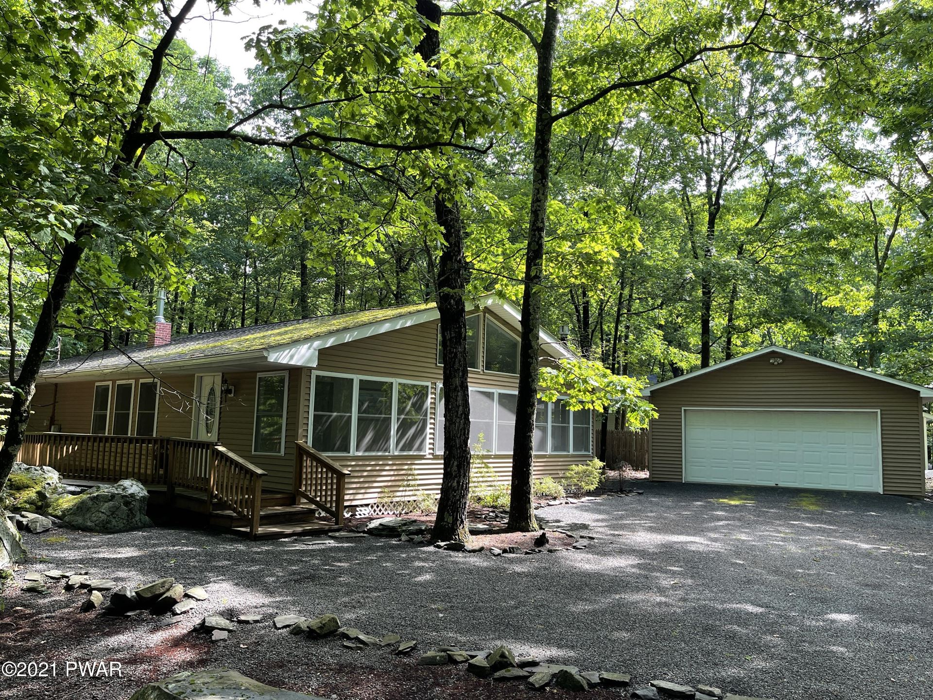Photo of 107 Curlew Dr, Lords Valley, PA 18428 (MLS # 21-2128)