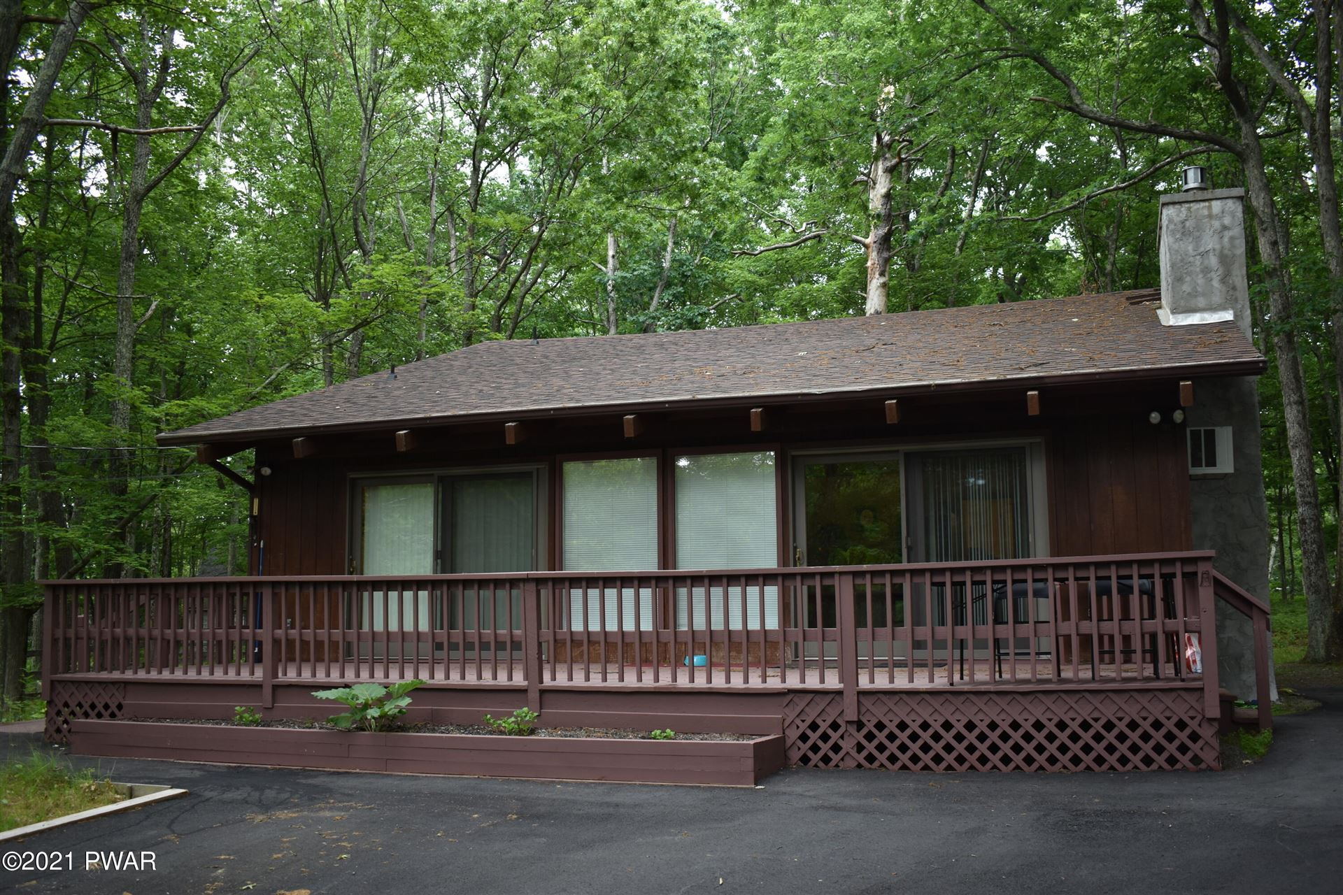 Photo of 125 Surrey Ln, Lords Valley, PA 18428 (MLS # 21-2156)