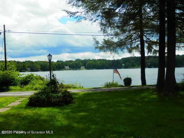 Photo of 224 W Shore Dr, Lake Ariel, PA 18436 (MLS # 20-1198)