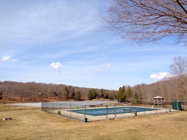 Photo of 1303 Lakeside Dr, Greentown, PA 18426 (MLS # 15-4328)
