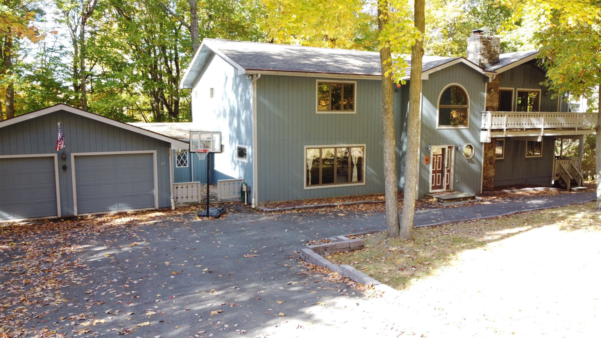Photo of 117 Eastwood Dr, Greentown, PA 18426 (MLS # 20-4329)