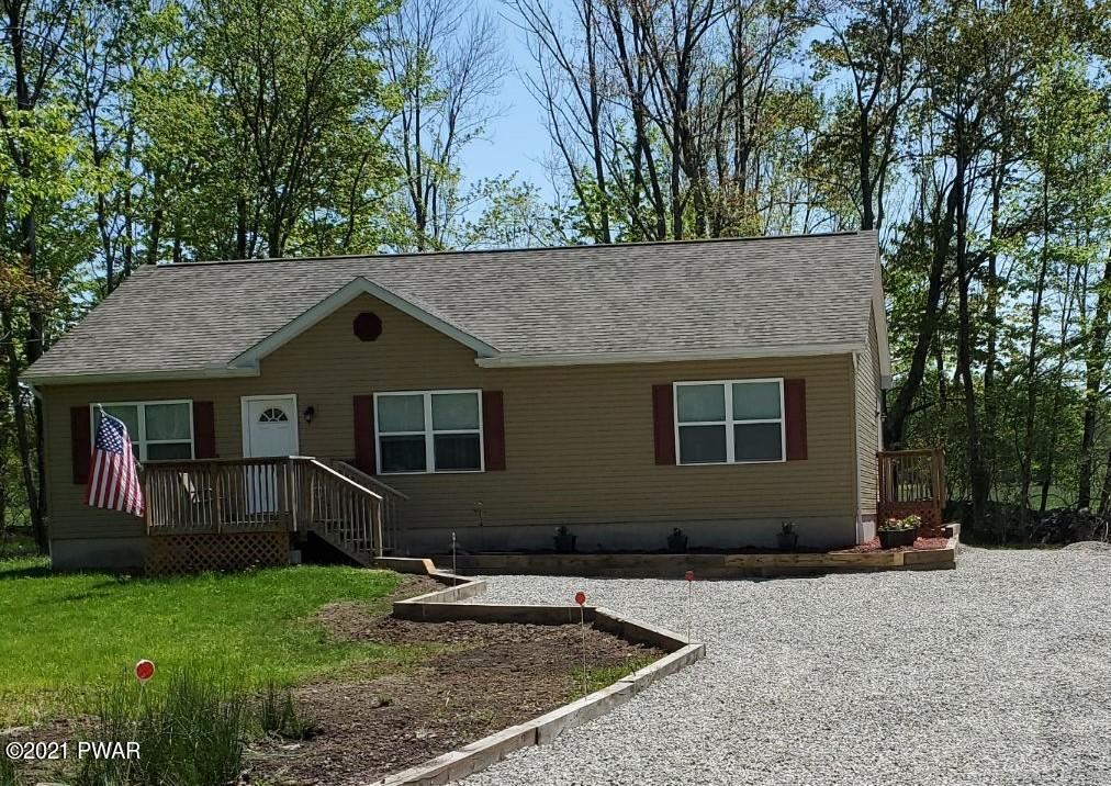Photo of 118 Boulder Rd, Lake Ariel, PA 18436 (MLS # 20-4394)