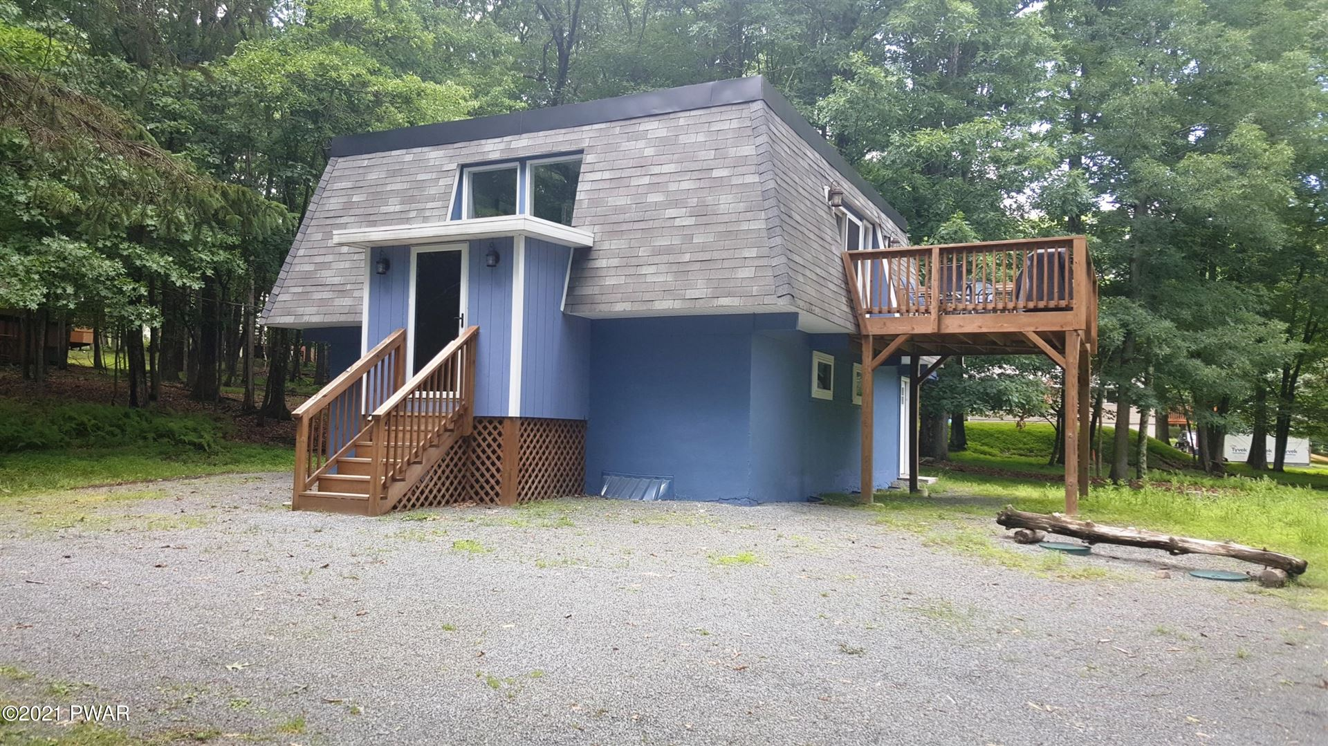 Photo of 255 Forest Ridge Dr, Hawley, PA 18428 (MLS # 21-2522)