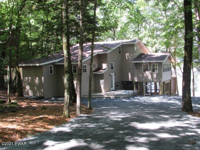 Photo of 430 Canoebrook Dr, Lords Valley, PA 18428 (MLS # 21-2557)