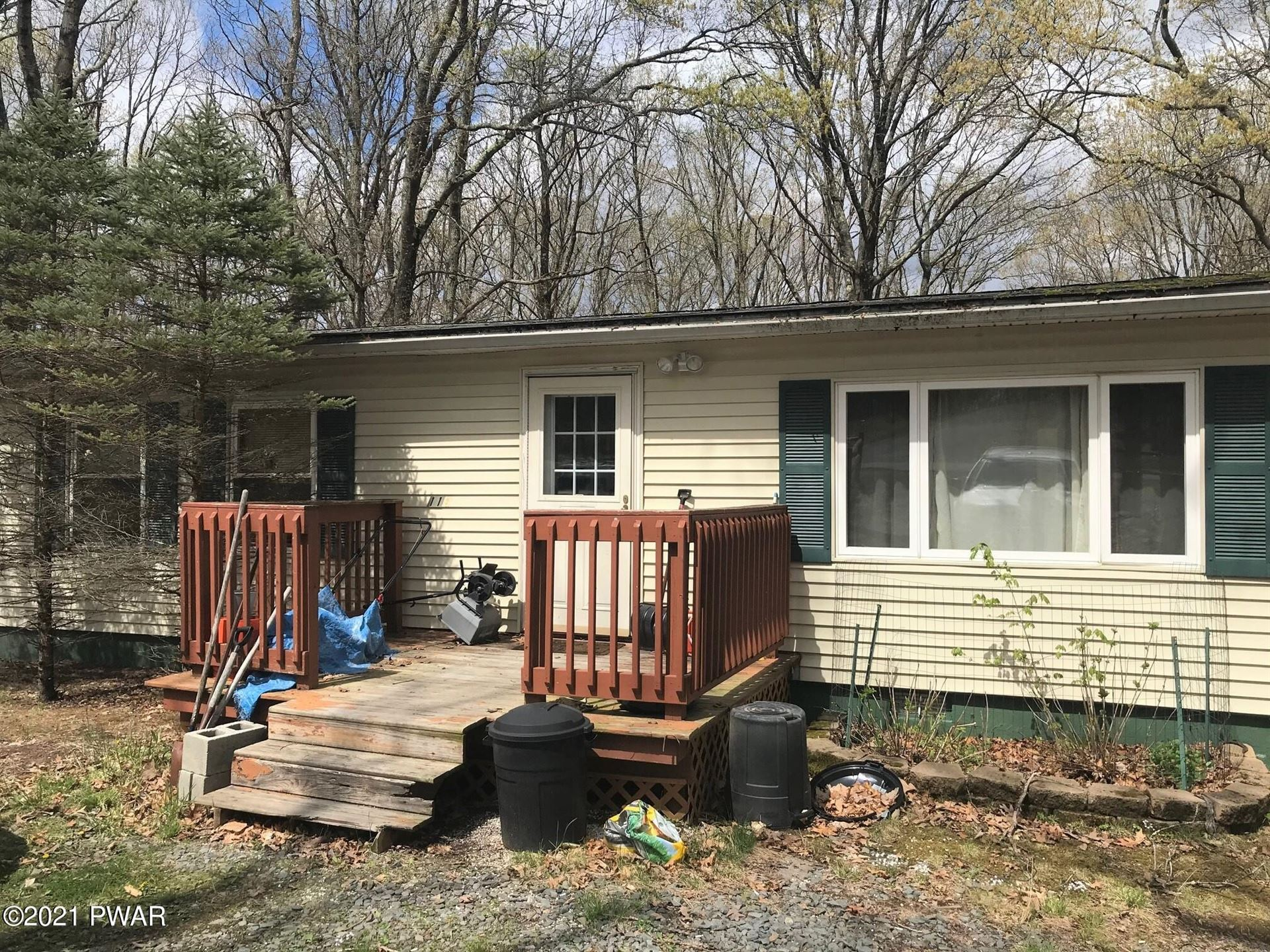 Photo of 119 Cloudcrest Dr, Hawley, PA 18428 (MLS # 21-1585)