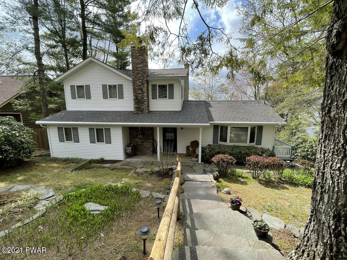 Photo of 345 Sunset Shore Dr, Hawley, PA 18428 (MLS # 21-1587)